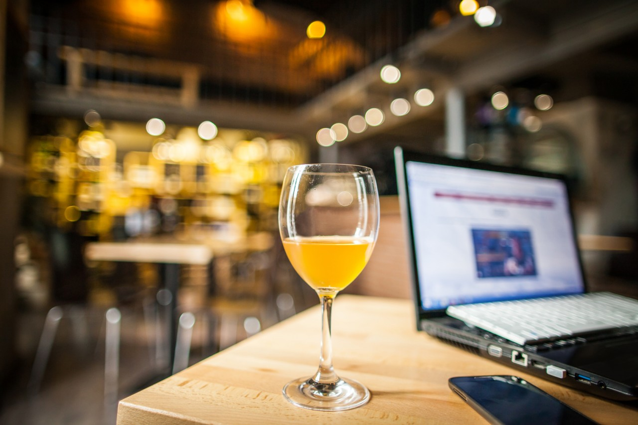 Top 5 Bars With WiFi in Oakland to Work at During the Day