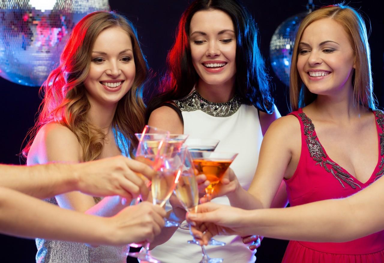 Signature Wedding Cocktails – A Hot Trend